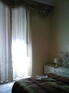 double room with share bathroom