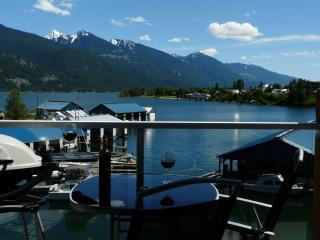 Kootenay Lake Waterfront Condo, Kaslo