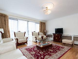 Spacious 4-bed house in W2, London