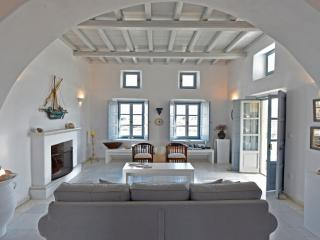 Villa Asteras in Paros, 3 bdrm/3 bath stone built