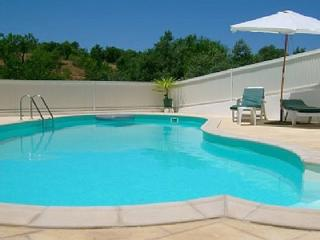 Quinta dos Pocos Apartment - 4 bed, with pool, Ferragudo
