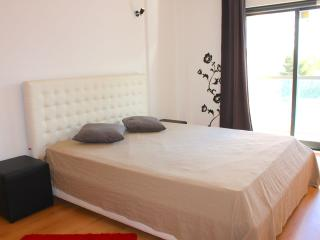 Caymmi White Apartment, Portimao, Algarve