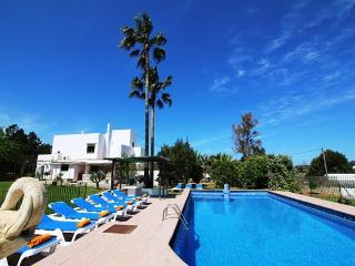 Villa Carvi | Private Pool | Walk To Amenities | Families and Groups, Ibiza