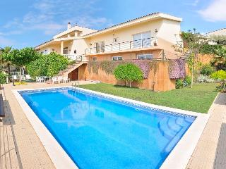 Gorgeous villa with fabulous sea views, Santa Susanna