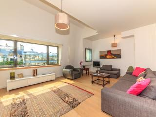 2-bedroom flat - Avenue Raymond Poincaré 2438