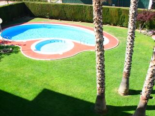 Nice apartment with pool, Cambrils