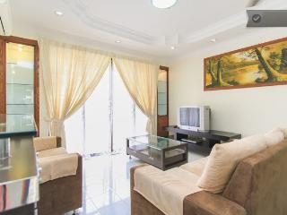 Sea View Nice Fitted Codo By The Beach, Huge Pool, Batu Ferringhi