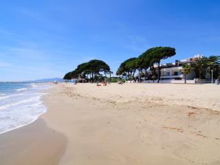 Apartamento a 100 m de la playa con WIFI