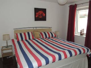 Beach Hut APARTMENT: Oceans 14 `PORTSTEWART.Free WiFi & PARKING