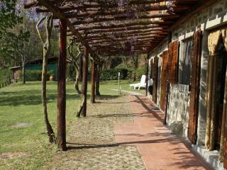 Rustico con grande giardino e vista sulla vallata, Bagno di Romagna