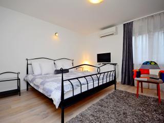 Modern two bedroom apartment near center, Split