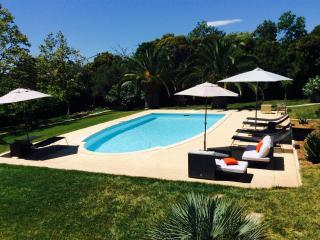 Nice apartment for rent, swimming pool, near beach