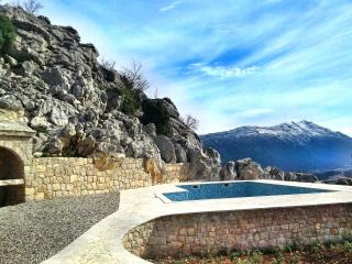Villa with pool near Makarska