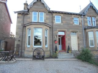 PERTH VILLA near Golf,Fishing,Swimming,Town Centre