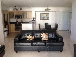 Luxury Beach Rental!, Hallandale