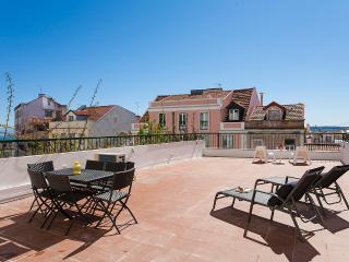 Lapa Terrace Apartment | RentExperience, Lissabon