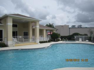 SunLake 3126B luxury condo one mile from Disney