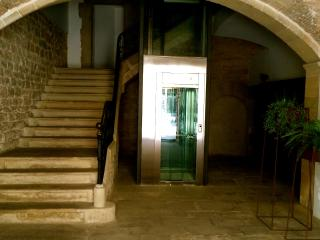 CasaOller Apartment in a Historical Builing, Manresa