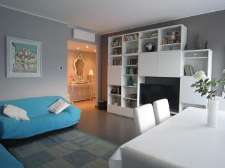 Attico l50 mt dal mare, 10 min centro + WIFI +BICI, Sanremo