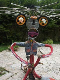 Une des oeuvres d'arts dans le parc / One of the ArtWorks in the park
