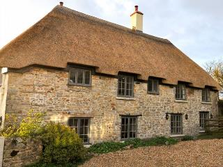 BLOCO Cottage situated in Axminster