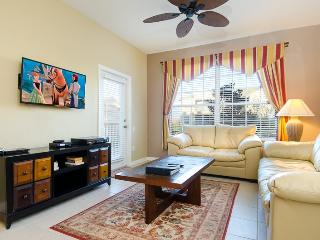 Windsor Wonder | Amazing 3rd Floor Condo, Located in Bldg 3 with Upgraded Furniture and Countertops & Mickey Theme Bedroom, Kissimmee
