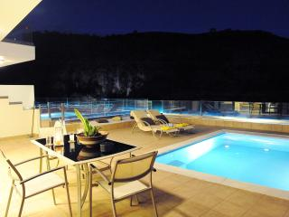 Modern Palaiokastro Villa with Private Swimming Pool, Heraklion