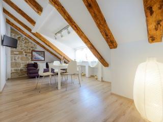 CARPE DIEM - Luxury antique apartment in Dubrovnik