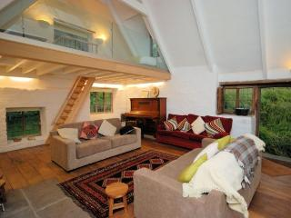 LMILL Barn situated in Caerleon (4mls N)