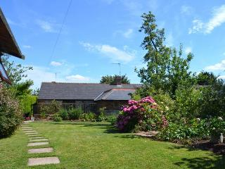 NORWE Cottage situated in Taunton (5mls E)