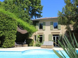 Maison d'Hotes Le Cygne Noir, piscine chauffee