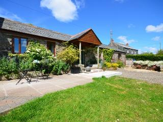 SWEET Cottage situated in Bodmin (3mls E)