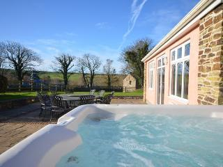 TFARM House situated in Padstow (6mls SW)