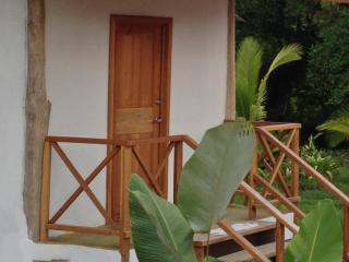 Casa Abundancyah B&B - La. Mariposa room, Pueblo de Bocas