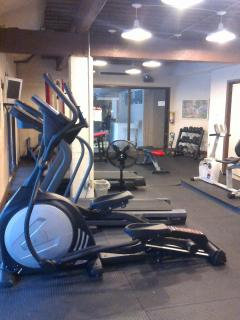 Work out area with view to pool