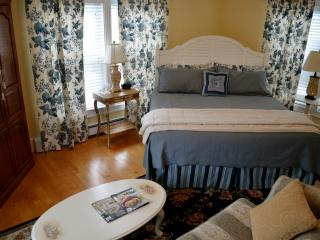The Hydrangea Suite, Hampton