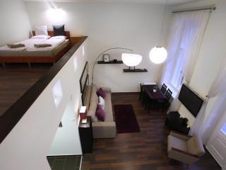 Superb Apartment with Balcony, Budapest