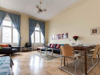 Budapestflat4rent - large,quiet and central,