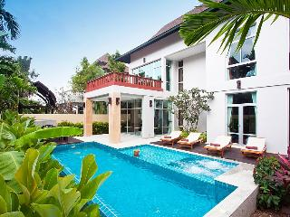 Villa David - 4 Bedroom Villa Near Pattaya
