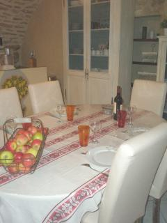 the dining table that seats 6 adjoining