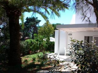 Puglia Ostuni Rosamarina Cosy villa by the sea