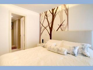 2Bdrm Apartment, hub of Pocitos,Location & Design, Montevideo