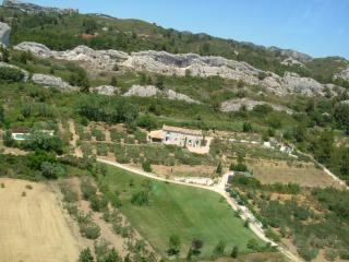 Mas des 3 Cyprès, Paradou