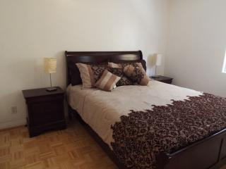 5 Bedroom + 4 Bathroom Apartment in Sherman Oaks, Los Angeles