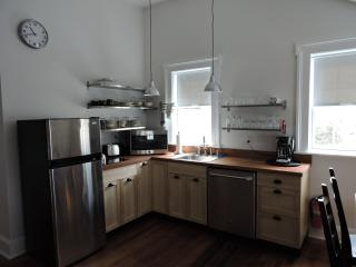 Fully Equiped Kitchen - you bring the food and drink