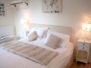 Royal Mile Art Apartment, Edimburgo
