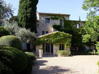 None YNF DEM, Les Baux de Provence