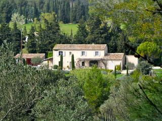 Luxury 5 Bedroom Vacation House in Luberon, with a Pool, Villa YNF LAM