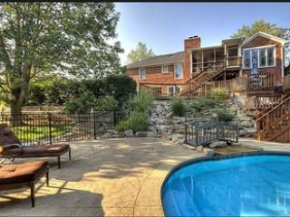 Dream Derby Resort Home 4B 3BA Pool, Louisville
