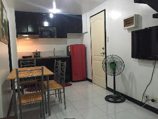 2 Bedrooms for Rent with STRONG WIFI Connection, Quezon City